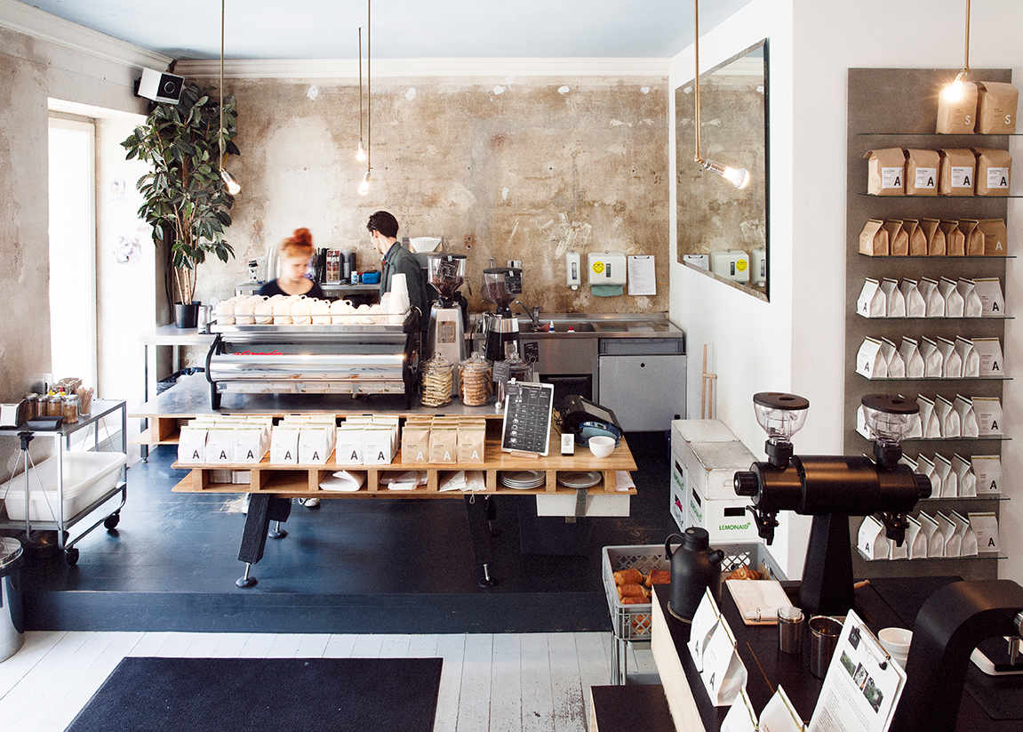 MYKITA Berlin Summer Guide - Interior bei Bonanza Coffee Roasters