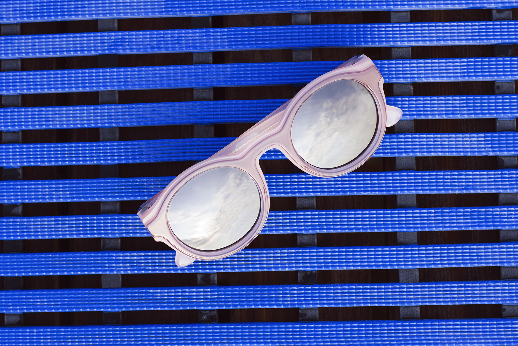 MMDUAL001 is one of the five best sunglasses for a day by the pool on MYKITA Journal
