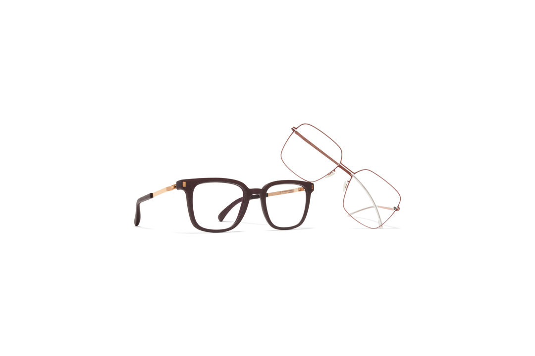 46dbc643117 SQUARE GLASSES. The rectangular frame is a classic shape that ...
