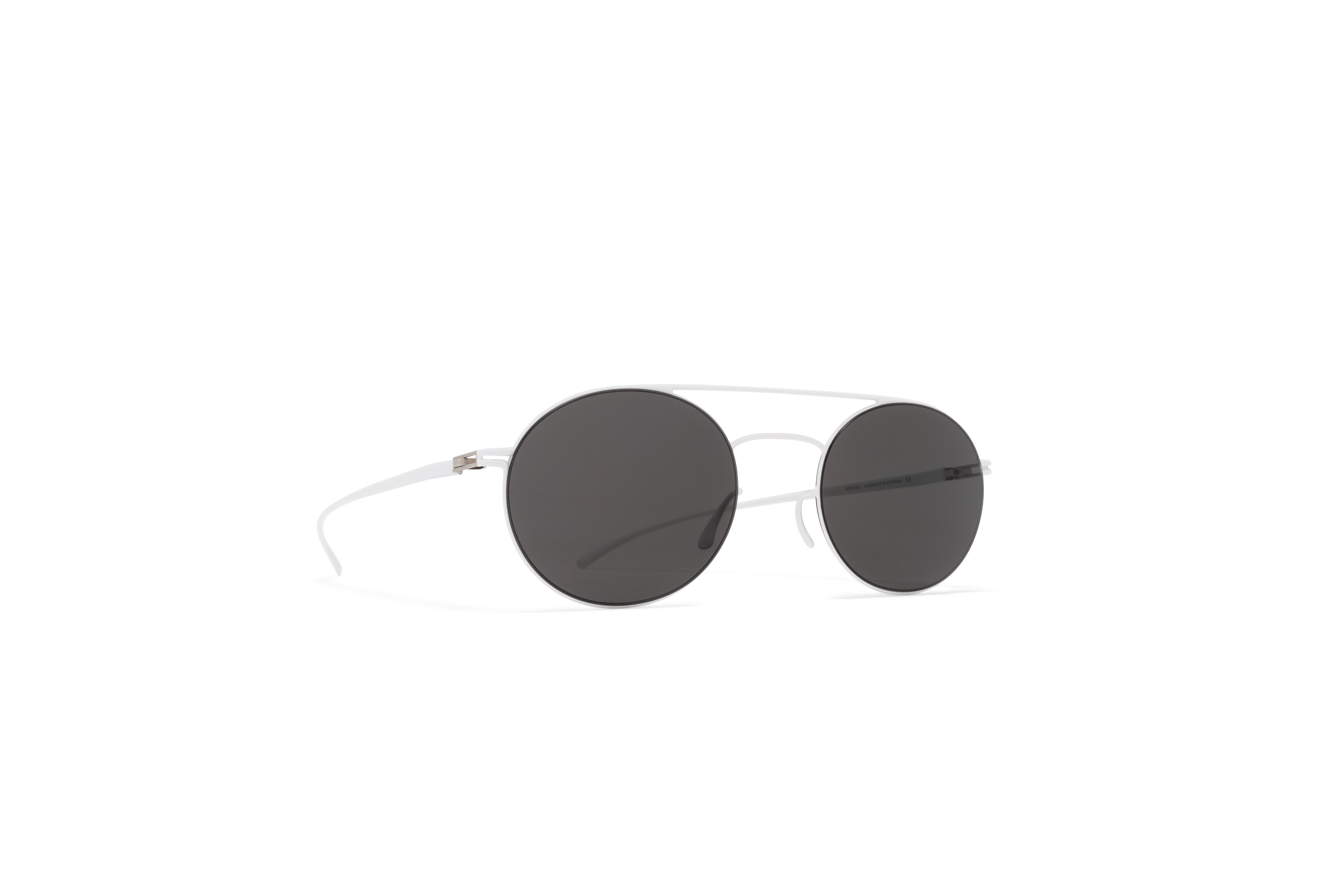 MYKITA Mm Sun Mmesse019 E13 White Dark Grey Soli59fb240dee630